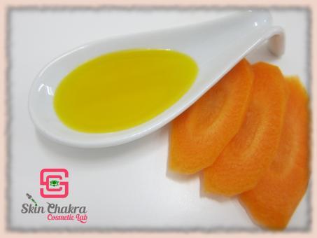 Organic carrot oil